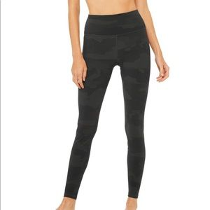 Alo yoga high waisted vapor legging camo
